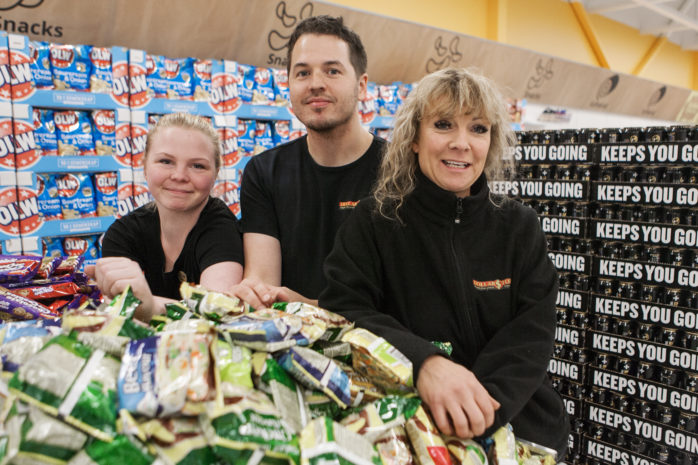 Onsdagen den 25 oktober öppnar DollarStore på Handelsplats Älvhem i Älvängen. Butikschef Carolina Ridderskär och hennes kollegor Emma Johansson och Jonas Pettersson hälsar alla hjärtligt välkomna till invigningsfirandet.