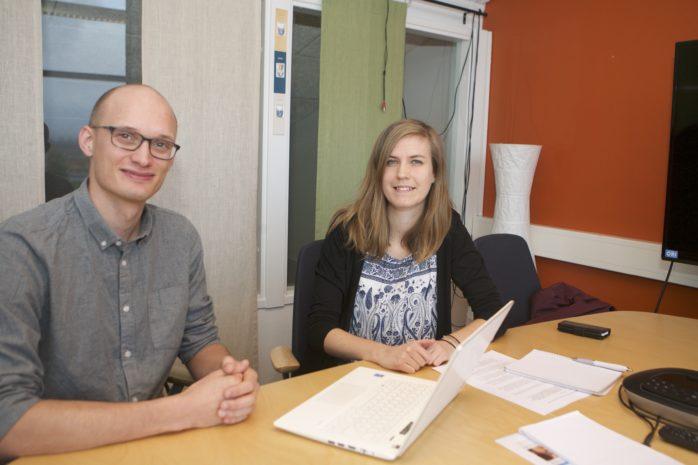 Jonathan Gärtner och Linnea Thunberg leder arbetet med den Lupp-undersökning som kommer att genomföras i Ales högstadie- och gymnasieskolor måndagen den 23 oktober.