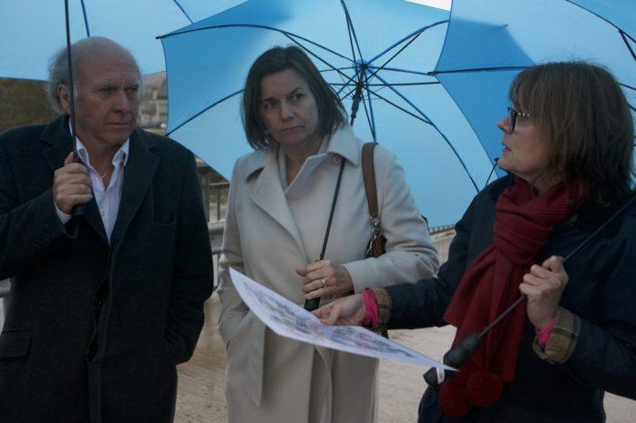 Isabella Lövin (MP), minister för internationellt utvecklingssamarbete och klimat samt vice statsminister, besökte Lilla Edet i tisdags. Här tillsammans med Tommy Nilzén (MP), ledamot i kommunstyrelsen, och Tea Cole från Ramböll.
