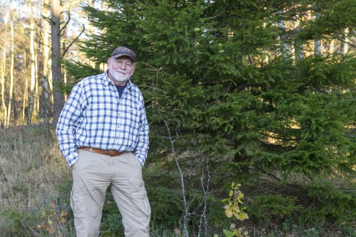 Bruno Nordenborg, ordförande i Alefjälls Naturskyddsförening, fördömer Västkuststiftelsens och Länsstyrelsens hantering av naturreservatet Anfastebo.