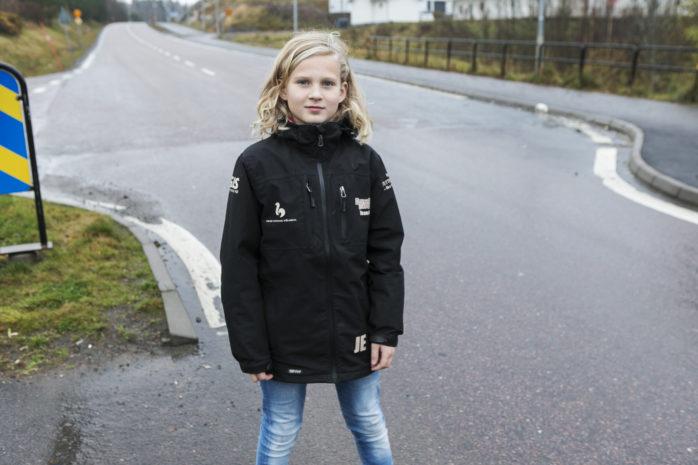 Jacob Ekberg var nära att bli påkörd när han var på väg över Starrkärrsvägen. Nu har han skrivit ett brev till politikerna i kommunen.