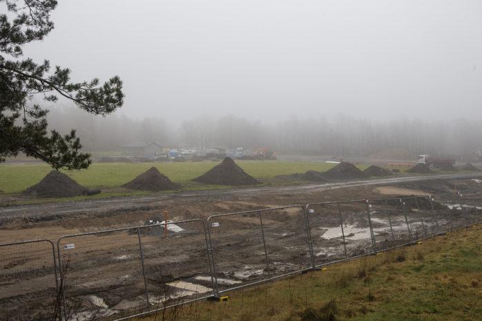 Friidrottsarenan vid Jennylund i Bohus har gått från 9 miljoner till ett slutpris på 14,7 Mkr. Markförhållandena har överraskat alla inblandade.
