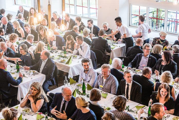 Näst bäst i Västra Götaland. Ale kommun tog hem andraplatsen i Bästa Tillväxt 2017, en utmärkelse till den kommun i varje län där företagen har haft bäst tillväxt. Bilden är hämtad från fjolårets Näringslivsgala i Ahlafors fabriker där många av kommunens företagare fanns representerade. Foto: Kajsa Thorson