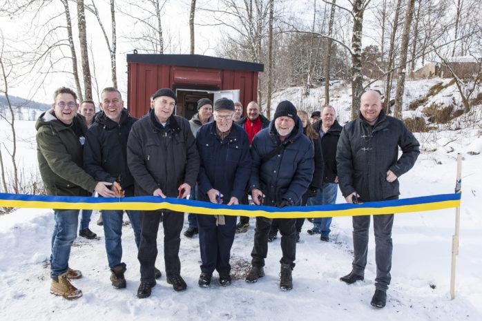 Delar av styrelsen för Skepplanda Fiberförening hade äran att formellt inviga fibernätet i lördags. Från vänster: Mats Hallgren, Alexander Corbett, Mikael Söderberg, Leif Andersson, Lennart Lindberg och Mikael Holmqvist.