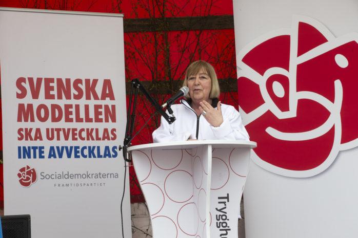 Monica Samuelsson (S), Omsorgs- och arbetsmarknadsnämndens ordförande, tvingas ta ställning till nya tuffa åtgärdsförslag på fredag.