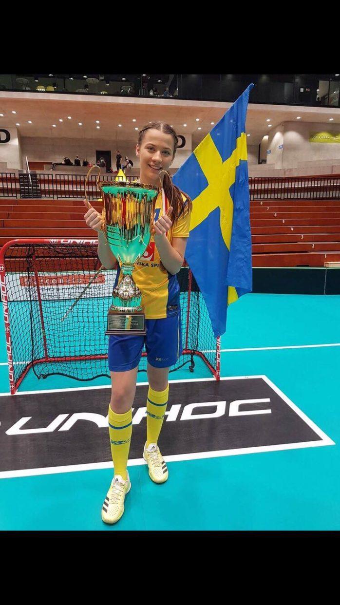 Natalie Hjertberg från Surte var med och vann VM-guld med det svenska U19-damlandslaget. Foto: Privat.