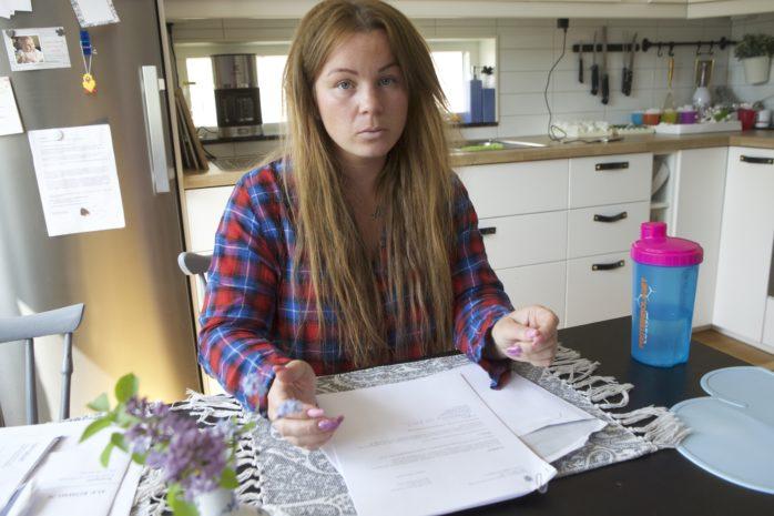 Ellinor Ytterholm fick avslag på sin ansökan om assistans för sin son. Nu rasar hon mot beslutet.