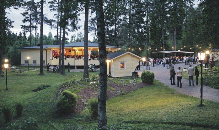 Furulundsparken i Alafors fick ovälkomna gäster på besök under onsdagsnatten. Tjuvarna tillgrep bland annat vinkelslipar och verktyg. Arkivbild: Allan Karlsson