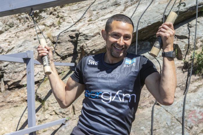 Viktor Byhr har startat OCR-banan i Lilla Viken i Bohus. I lördags gav han sig ut på sin största utmaning hittills när han deltog i ett VM-lopp i OCR som pågick i 24 timmar.