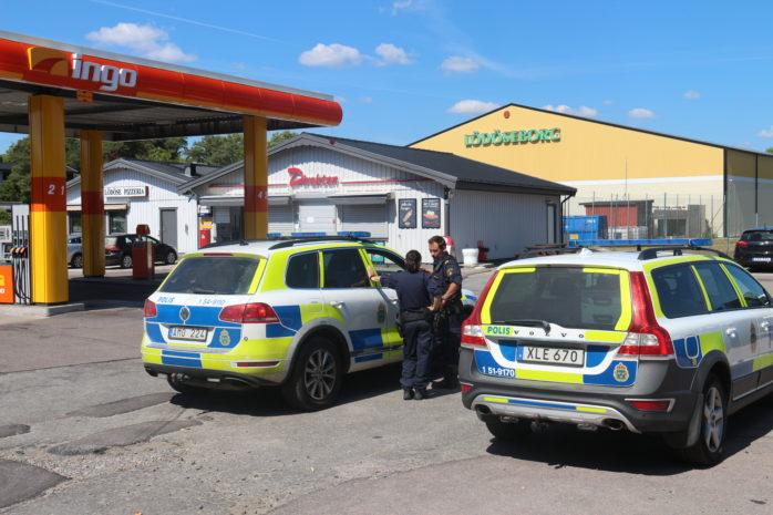 Servicebutiken Direkten vid Ingo bensinstation i Lödöse utsattes på fredagen för ett butiksrån. Foto: Christer Grändevik