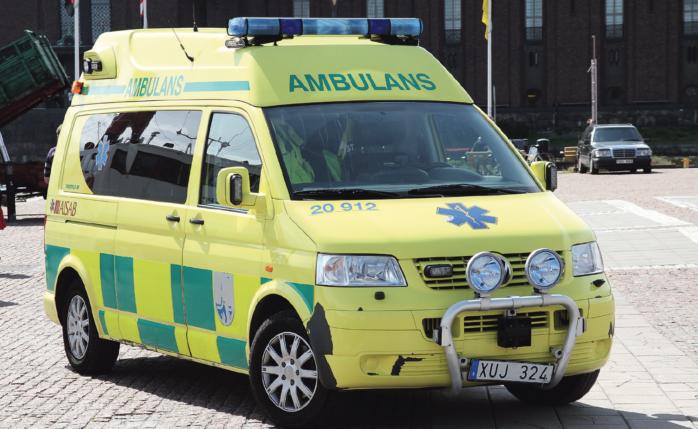 Kungälvs sjukhus ansvarar för ambulanssjukvården i Stenungsund, Tjörn, Kungälv och Ale. Inför 2019 gäller ett sparbeting på en kvarts miljon, vilket medför att halvdygnsbilen ställs åt sidan upp till tre dygn per månad.
