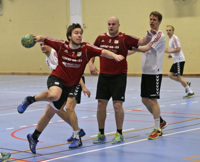 Jonatan Franzén svarade för en stark andra halvlek när Ale HF vann ödesmatchen mot Sävedalens HK med uddamålet. Arkivbild: P-A Klöversjö