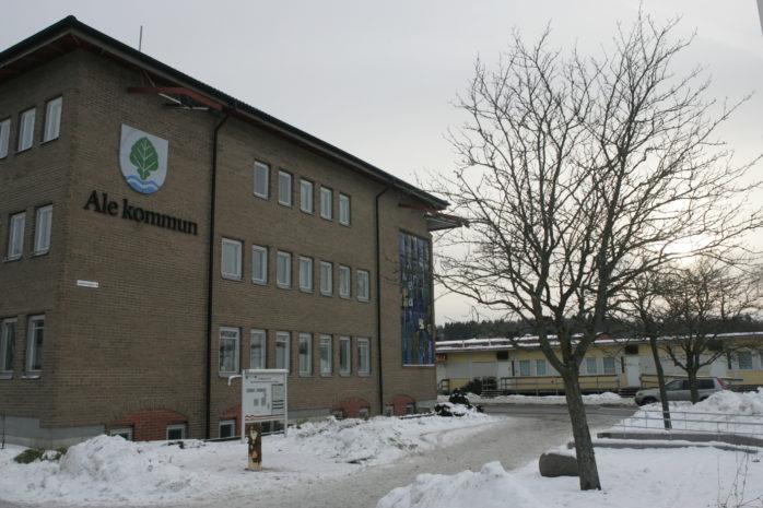 En kommunanställd ger sin syn på personalomsättningen i Ale kommun, om dessa orsaker och hur förutsättningarna skulle kunna förändras.