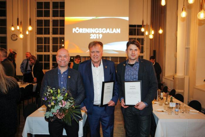 Skepplanda BTK – Årets förening 2019. Jimmy Johansson, Gerhard Sager och Magnus Ericsson tog stolt emot priset på föreningsgalan.