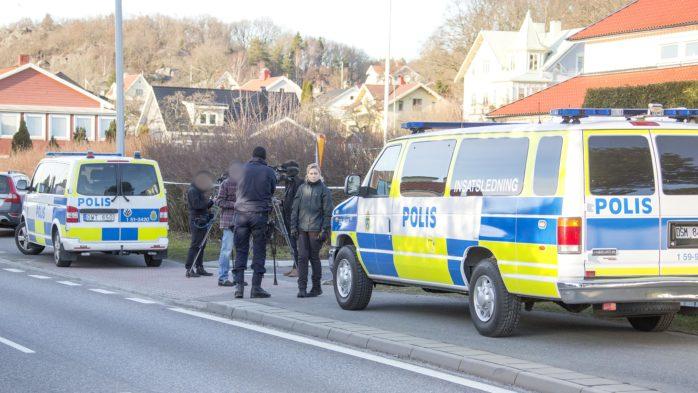 En man sköts av polis i Surte. Nu åtalas han för tre brott. Arkivfoto: Linus Olsson.