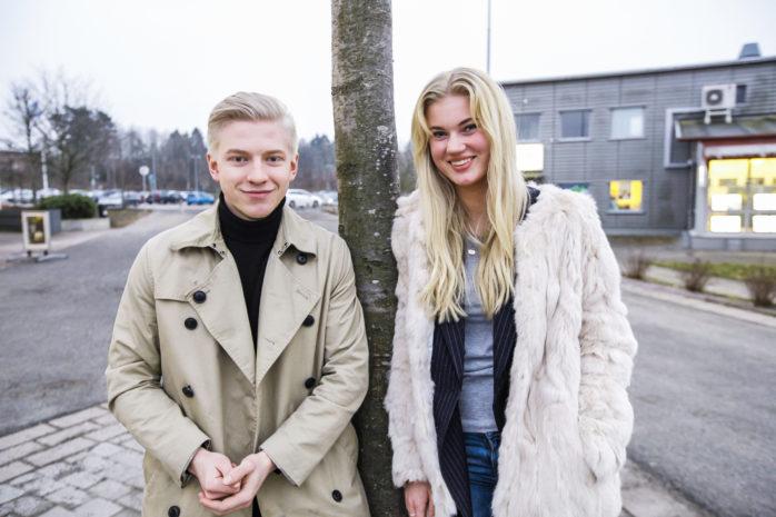 Lämnar över. Oliver Andersson är numera 1:e vice distriktsordförande för MUF, vilket medförde att Petronella Fredriksson fick ta över ordförandeskapet för MUF i Ale-Kungälv.