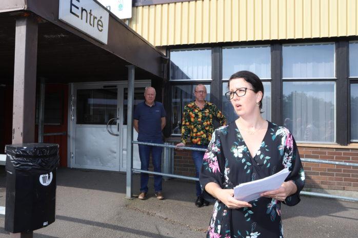 Elena Fridfelt, ordförande i Omsorgs- och arbetsmarknadsnämnden, fick inte igenom förslaget att avveckla aktivitetsvärdarna och Mötesplatsen 60+.