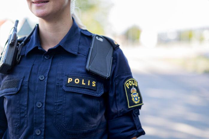 En busschaufför blev attackerad av knivbeväpnade personer på Älvängens resecentrum.