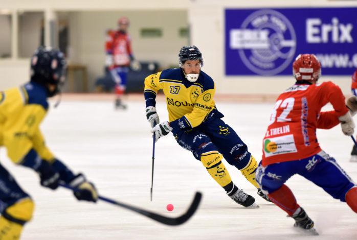 Johan Grahn gjorde fyra mål för sitt Surte i premiären. Arkivbild: Allan Karlsson.