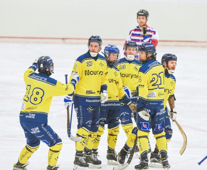 Surte BK nollade Mölndal på bortaplan och tog en tung skalp. Arkivbild: Allan Karlsson.