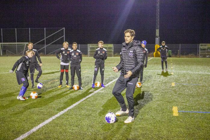 Johan Elmander gästade Sjövallen i samband med Ahlafors IF:s höstcamp för framtidens fotbollslirare. Han demonstrerade och inspirerade, självklart berättade han också lite om Zlatan...