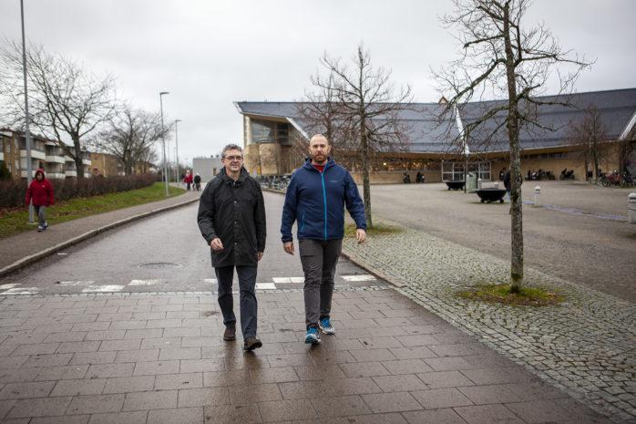 Socialdemokraterna Jim Aleberg och Johnny Sundling skrev ovetande om varandra motioner om säkrare skolvägar. Nu är båda aktuella.