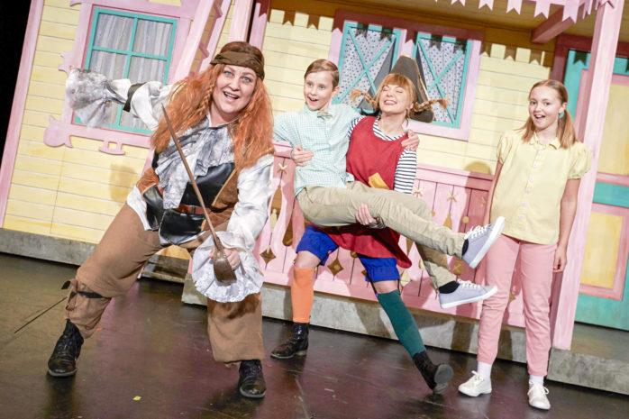 """Sussi Björninger från Nol intar rollen som pirat när musikalen """"Pippi Långstrump på de sju haven"""" visas på Lisebergsteatern. Premiär sker nu på fredag. Foto; Bo Håkansson."""