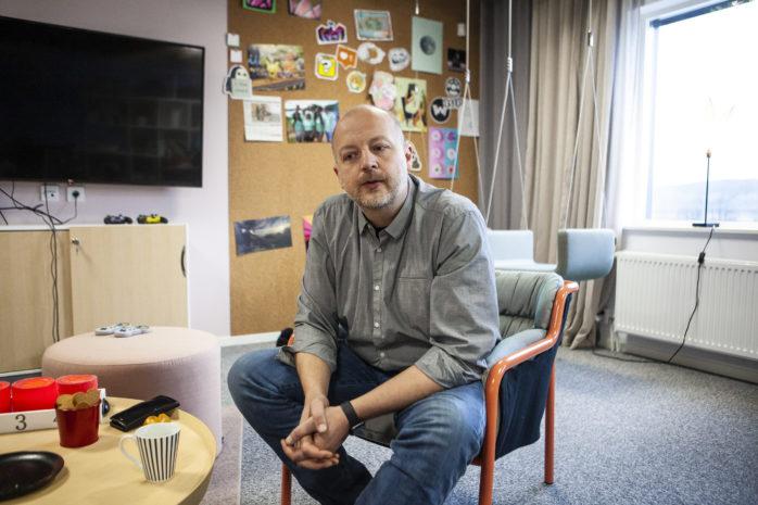 Kommunstyrelsens ordförande Mikael Berglund (M) vet att det stundar tuffare tider 2020, men känner ett lugn med att organisationen är bättre rustad än tidigare.