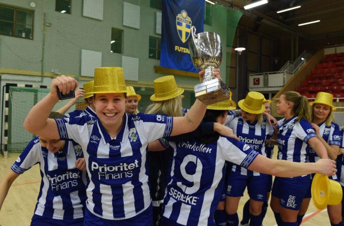 Josefin Wiklund från Alafors är svensk mästare i futsal.  Foto: Allan Karlsson.