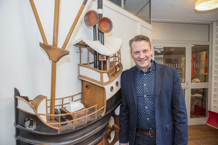 Mattias Mossberg är ny chef och navigerar sedan ett antal veckor tillbaka den tekniska avdelningen i Ale kommun.