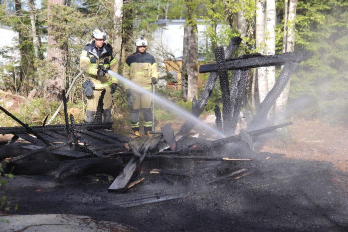 Brand på lekplats, Myternas väg i Älvängen. Foto: Christer Grändevik.