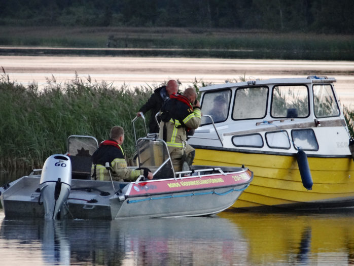 Räddningstjänsten i Nol fick ägna sig åt sjöräddning på måndagskvällen.