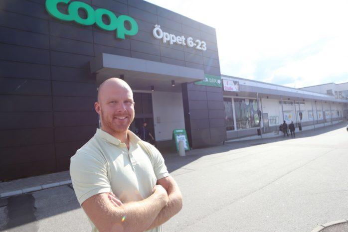 I november slutar Krister Petersson som butikschef för Coop Älvängen. Han ska istället satsa fullt ut på sitt eget företag Fenix Coach & Konsult.
