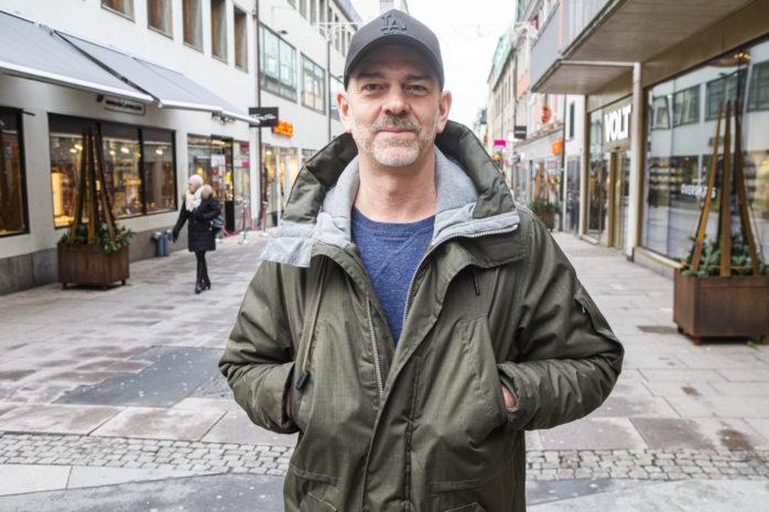 """Regissören David Färdmars långfilm""""Are We Lost Forever"""" har biopremiär på fredag."""