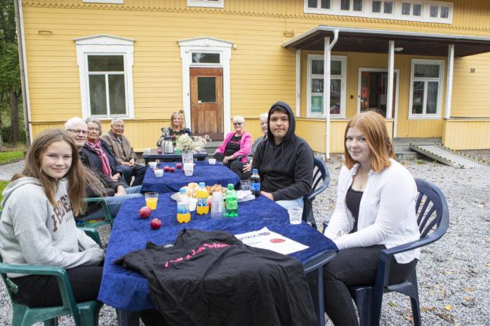 För fjärde året i rad arrangerar volontärer baktävlingen Hela Edet bakar. Temat för lördagens upplaga är baka i långpanna.