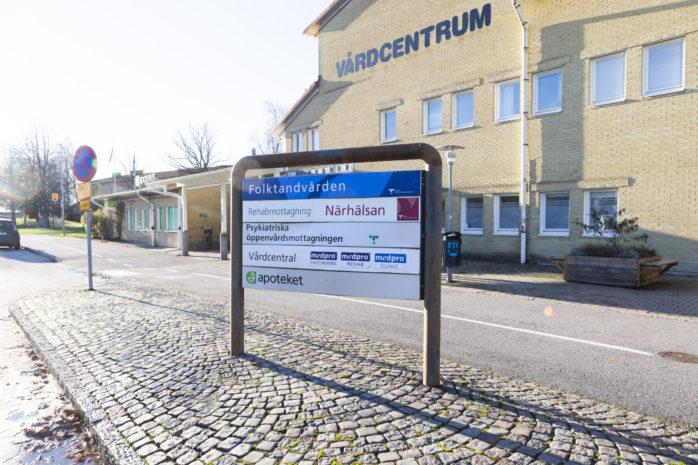 Den vuxenpsykiatriska öppenvårdsmottagningen i Lilla Edet kan komma att stängas. Anledningen är ett effektiviseringskrav på cirka sju miljoner kronor.