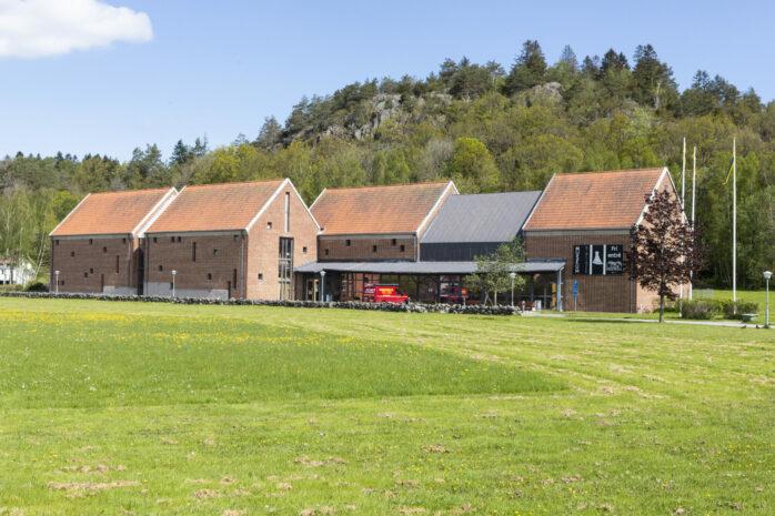 Tisdagen den 8 juni öppnar Lödöse museum åter för besökare. Fast redan nu på lördag blir det en digital invigning av den nya basutställningen Medeltida liv.