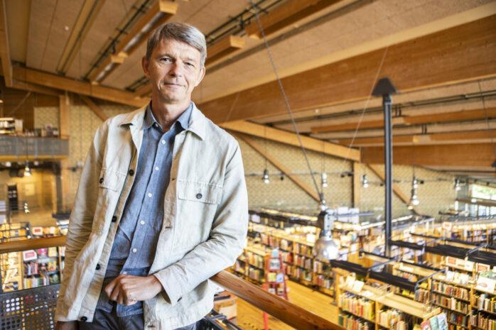 Jonas Bolding slutar som bibliotekschef i Ale för att istället bli chef för bibliotek och allmänkultur i Kungälvs kommun.