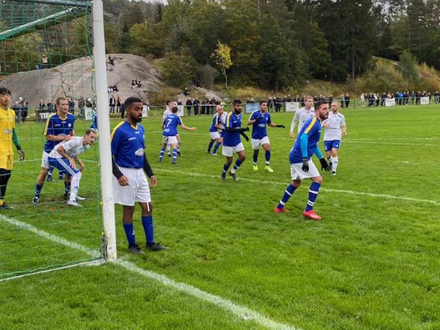 Högdramatiskt derby på Nolängen där förloraren riskerar att åka ur division 4.
