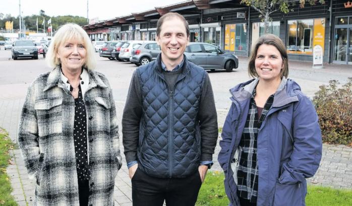 Ale kommuns ledningsgrupp för detaljplan 1 Nödinge centrum. Anna-Karin Gmoser, Daniel Söderström och Karin Svensson känner att förslaget närmar sig ett antagande.