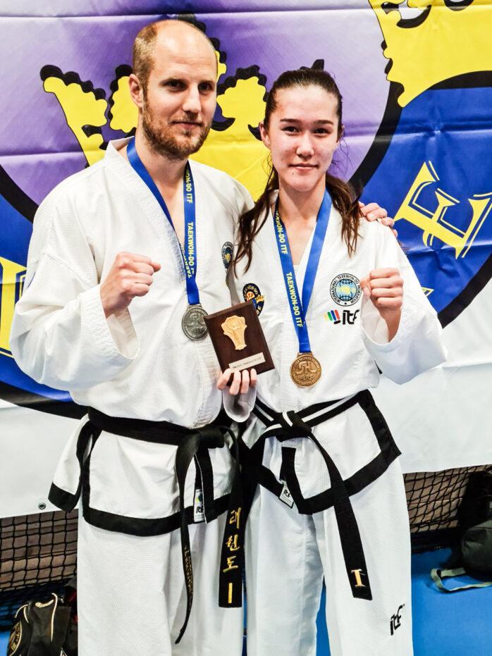 Ellen Sjöberg vann tre SM-guld i taekwondo och Jonas Ahrnberg fick ett silver. Bild: Hidajet Hadzic.