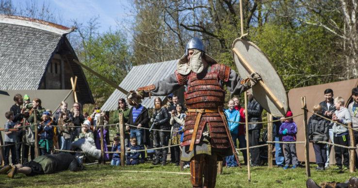 Över 2000 besökare på vikingamarknaden